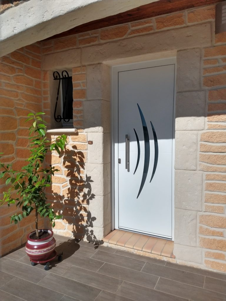 Porte d'entrée aluminium.